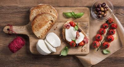 Bruschetta with Galbani Mozzarella and Parma Ham - Galbani