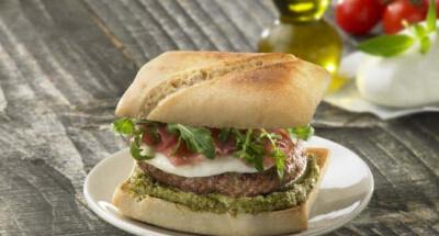 Beef Burgers wih Galbani Mozzarella and Parma Ham - Galbani