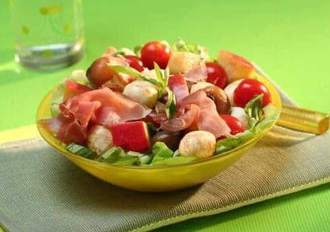 Galbani Mozzarella, Cherry Tomatoes and Apple Salad - Galbani
