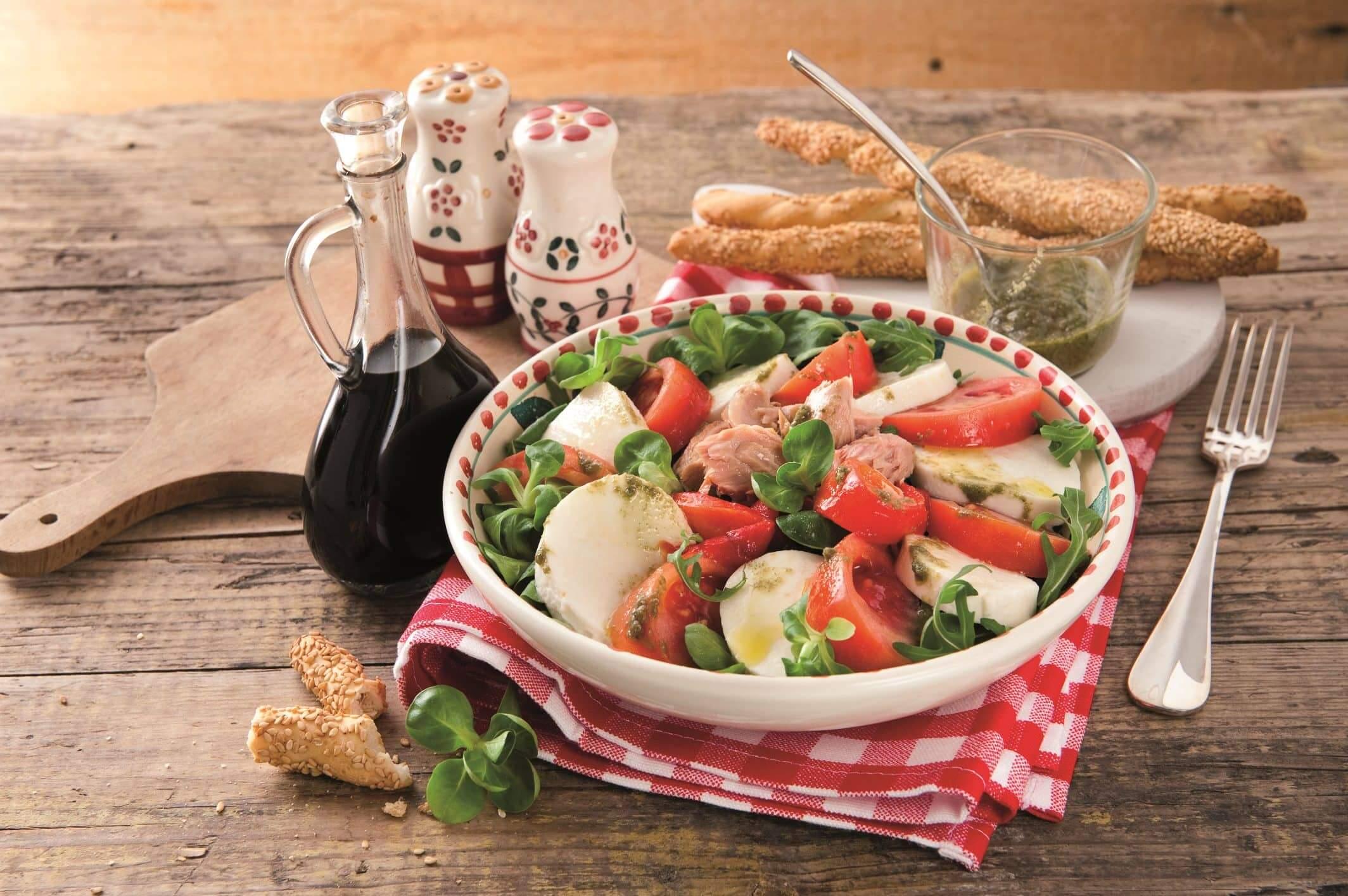 Galbani Mozzarella Caprese Salad with Tuna - Galbani