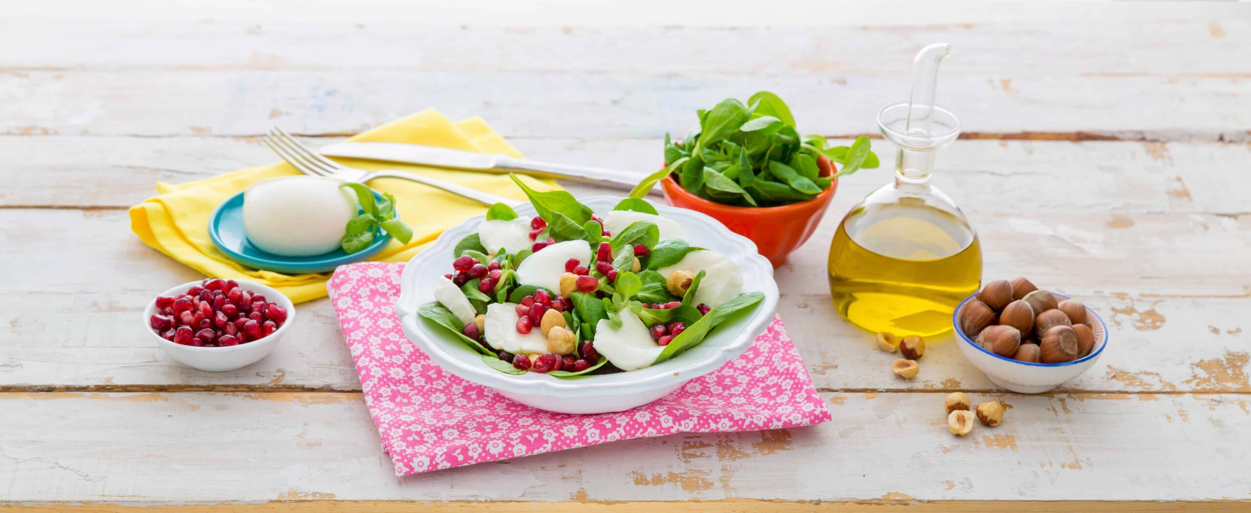 Galbani Mozzarella di Latte di Bufala Maxi, Pomegranate and Spinach salad - Galbani